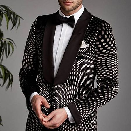Shawl collar on tuxedo jacket